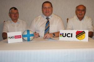 2018-09-29UCI Worldcup 2019 Vertragsunterschrift